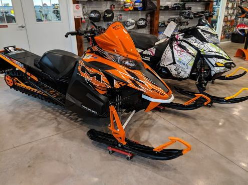 SHOW ROOM SLED